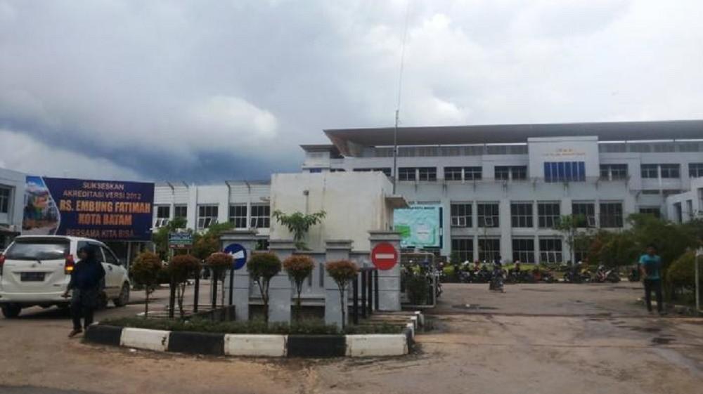 Specialist doctors strike over unpaid honoraria in Batam
