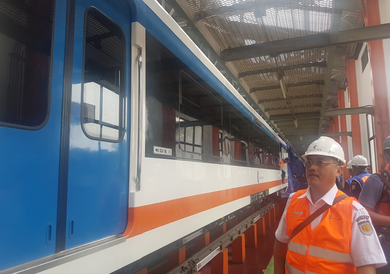 Railway operator welcomes first airport train