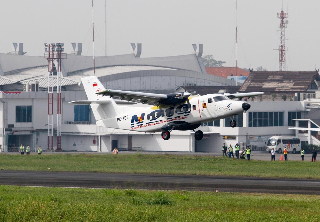 Indonesian N219 aircraft succeeds in first test flight