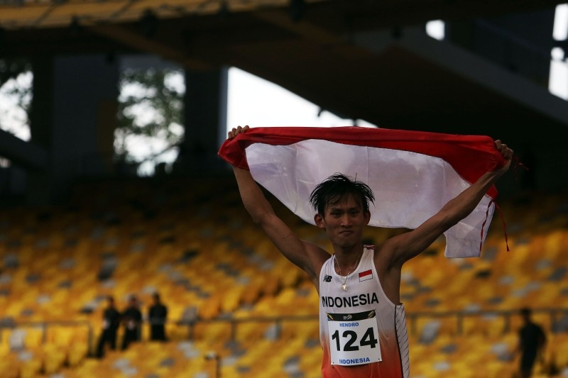 SEA Games: Hendro maintains gold streak, breaks 20-km race walk record