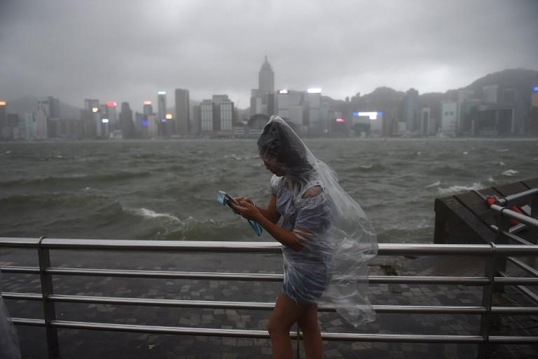 Typhoon leaves 12 dead after lashing Macau, Hong Kong
