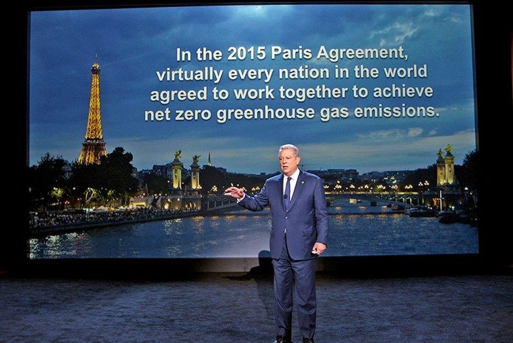 Climate talk: Al Gore discusses efforts to reverse the effects of climate change in An Inconvenient Sequel: Truth to Power.