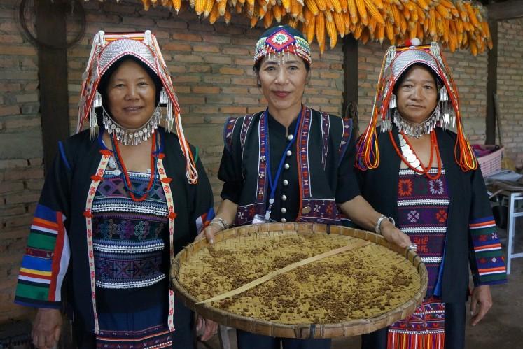 Women of Akha hill tribe.