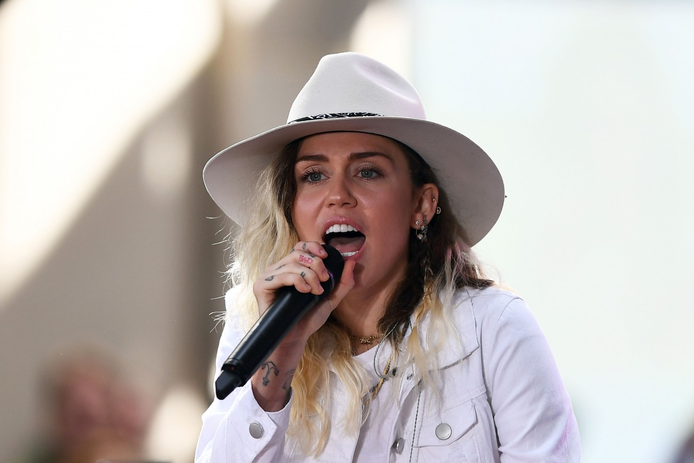 Miley cyrus latest celebrity to donate to harvey relief