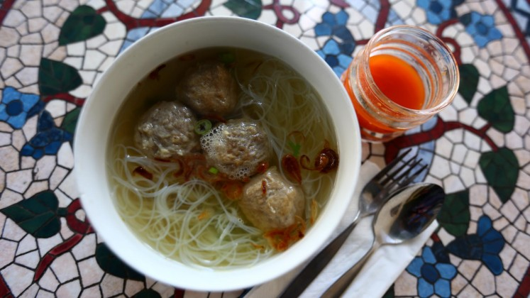 KEDAI restaurant provides Western and Indonesian delicacies, but it is recommended to try this Bihun Bakso Klaten.