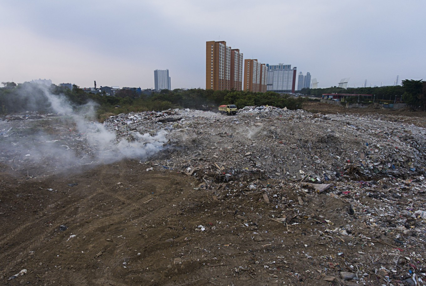 Jakartans produce more waste throughout Ramadhan, agency says
