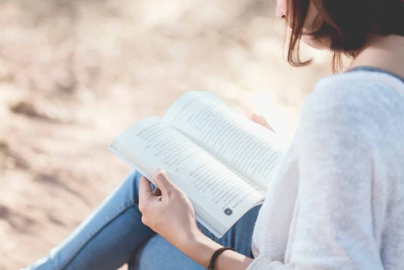 Decreasing stress, increasing skills: Very good reasons to read regularly