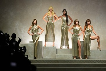 Supermodel reunion at blockbuster Versace tribute in Milan