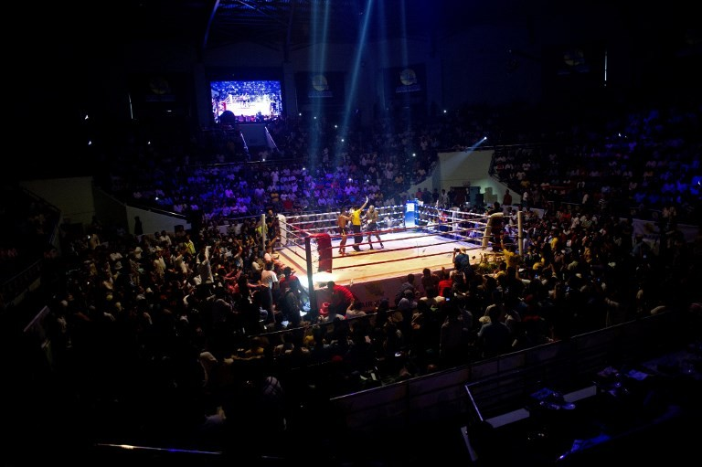 Boxer knocks out rival in 11 seconds