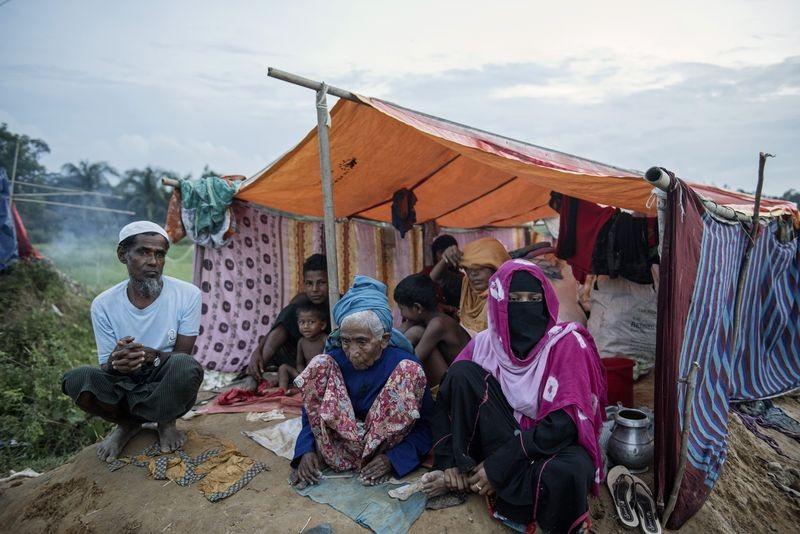 Bangladesh bans two aid agencies from Rohingya refugee camps