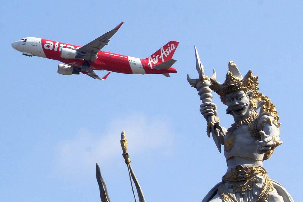 Law expert cautions govt over open skies plan