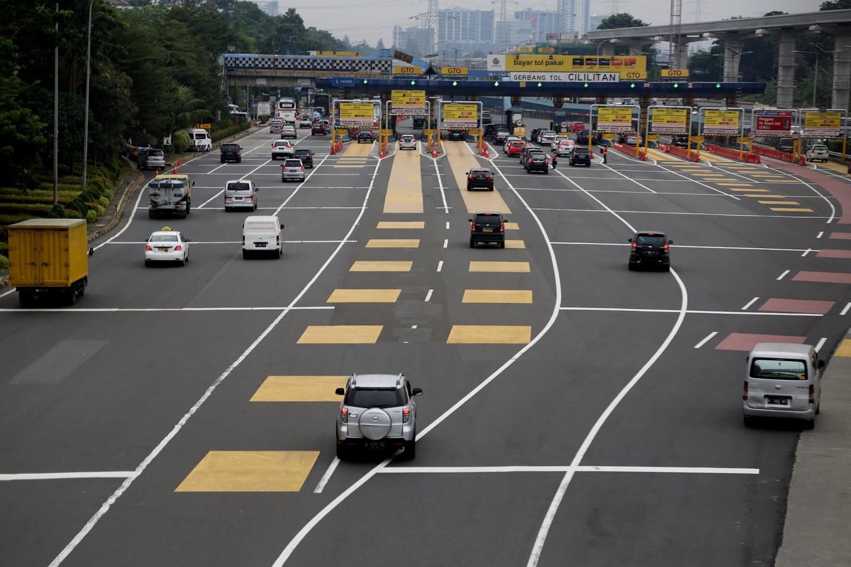 BPTJ postpones odd-even policy at 2 Tangerang tollgates