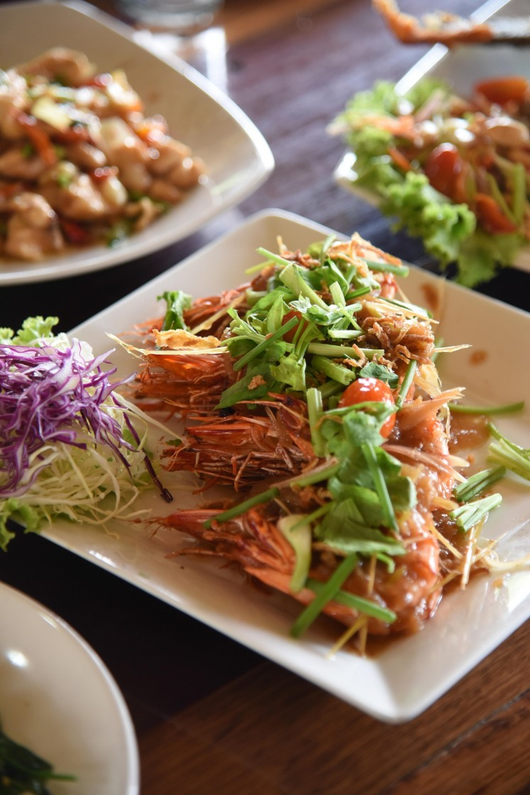 One of the seafood dishes served at Baan Ma-Yhing riverside restaurant.