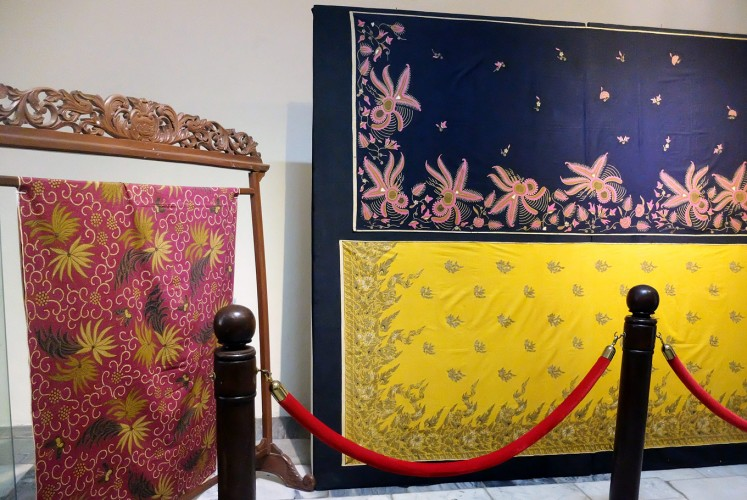Play of color: The Terang Bulan batik collection combines Surakarta and coastal batik elements.