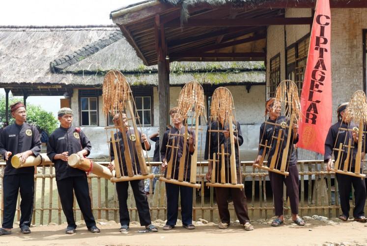 'Angklung buhun', a musical instrument made from bamboo.