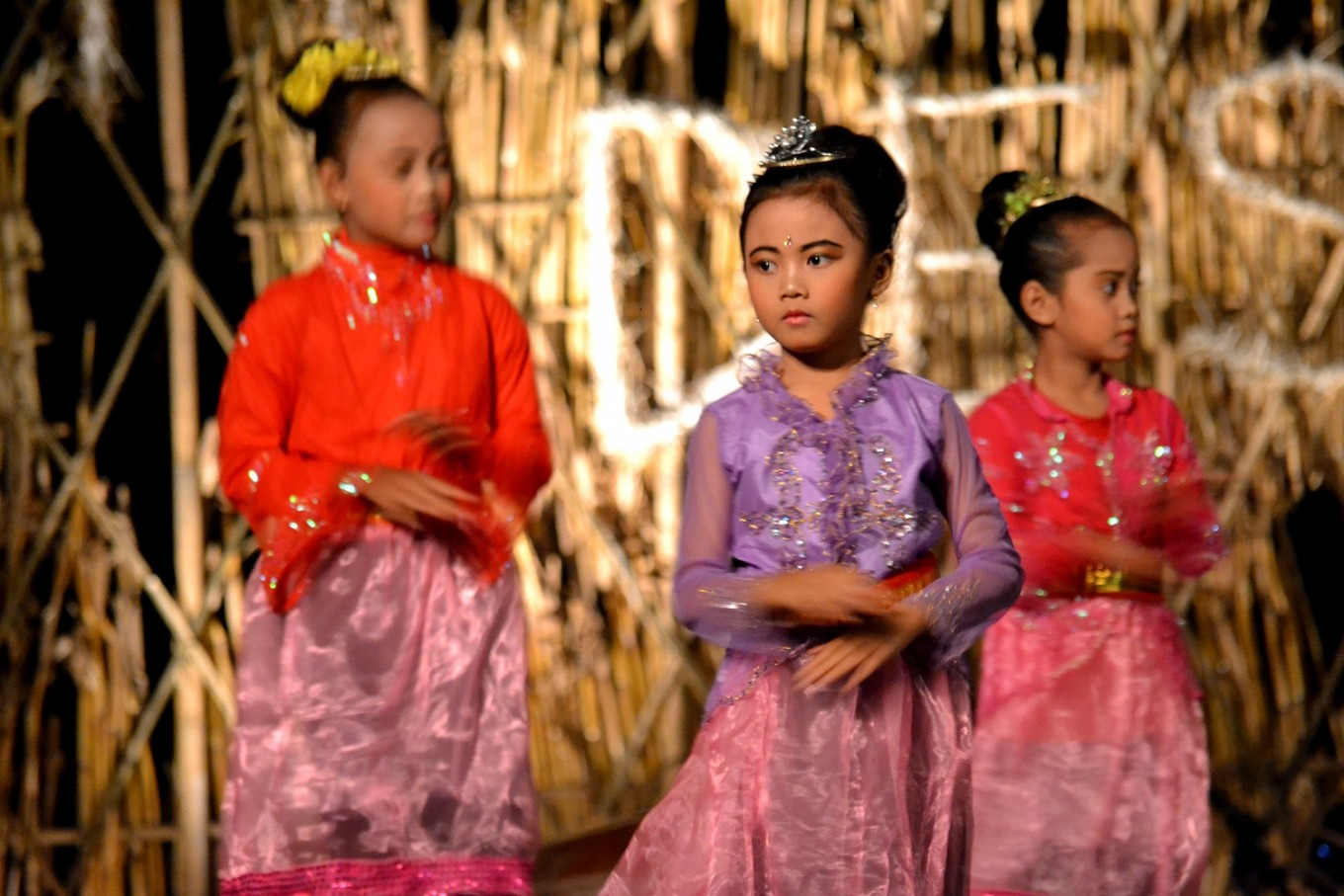 Children participate in the National Farmers Day Arts Performance.