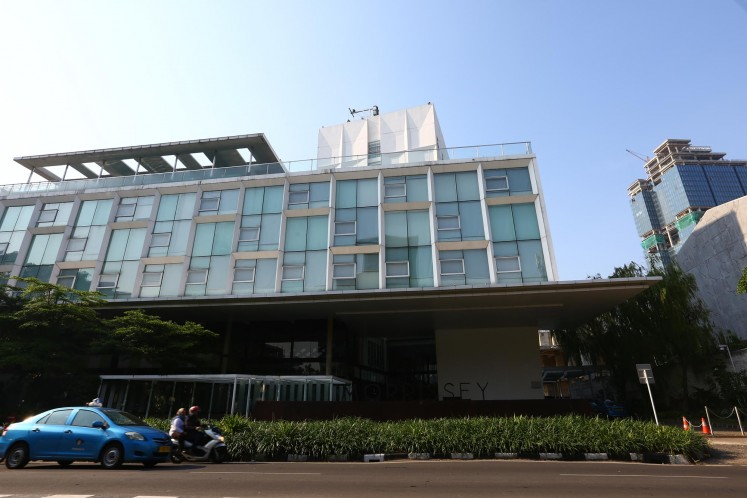 Morrissey Hotel Residences is a serviced apartment located on Jl. Wahid Hasyim.
