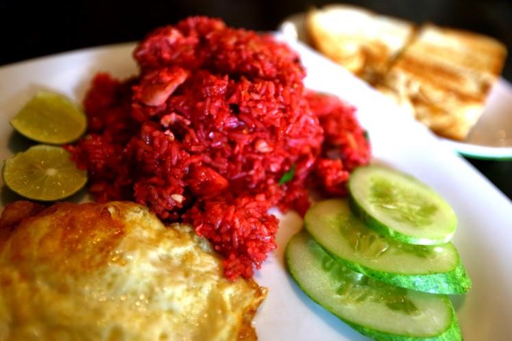 Phoenam's signature Makasar-style 'nasi goreng merah'.
