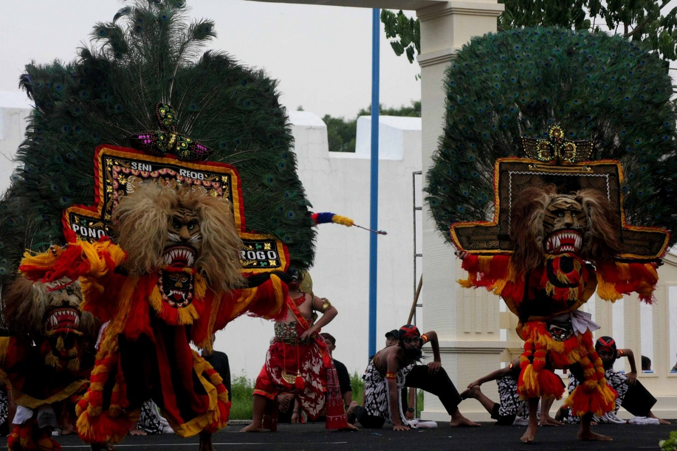 Traditional masked dance groups enliven Surakarta festival