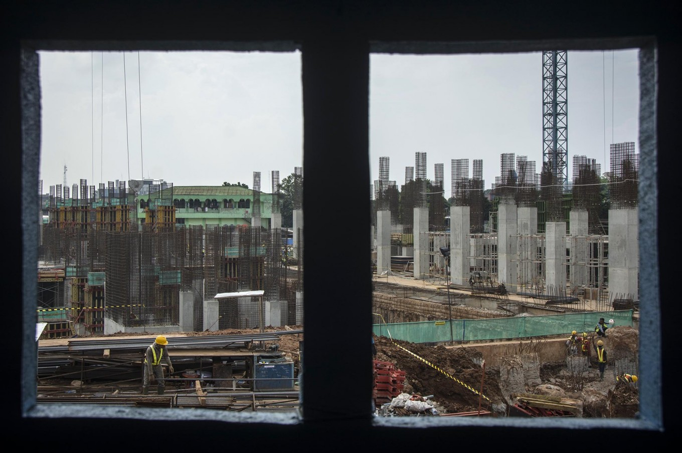 Jakarta drops low-cost apartment projects
