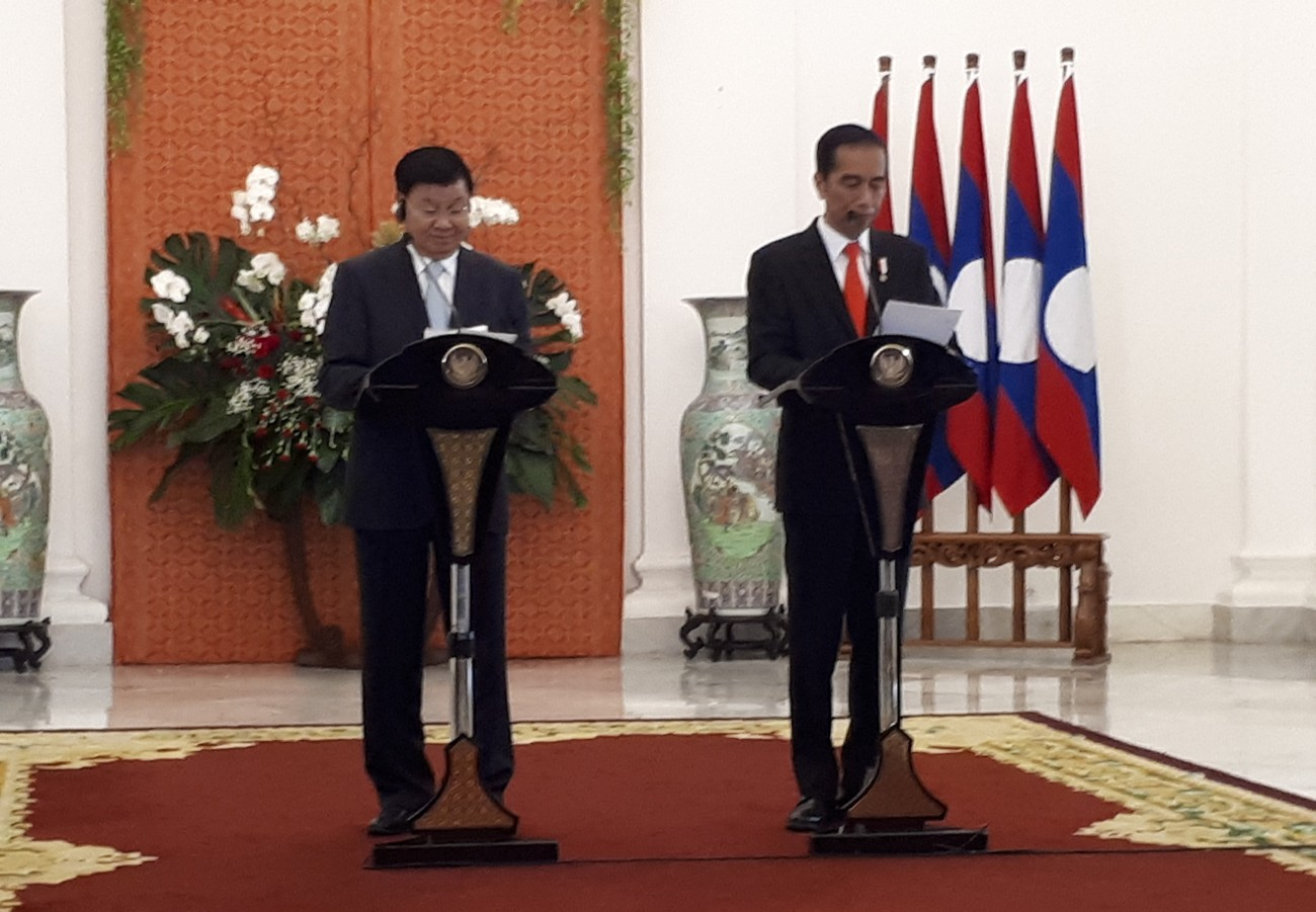 Indonesia offers weapons, planes to Laos