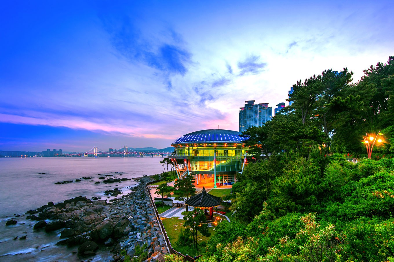 Must-see attractions in Busan alongside film fest