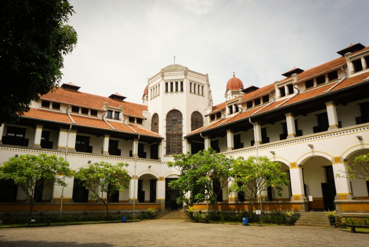 The headquarters of the Dutch East Indies Railway Company in Semarang, Central Java. The place is also known as Lawang Sewu.