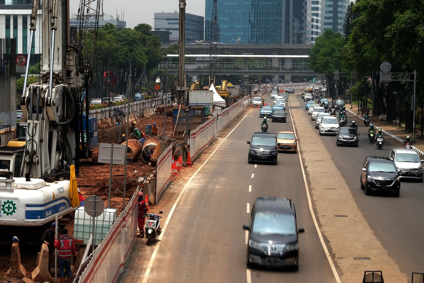 Government wants other regions to construct LRT