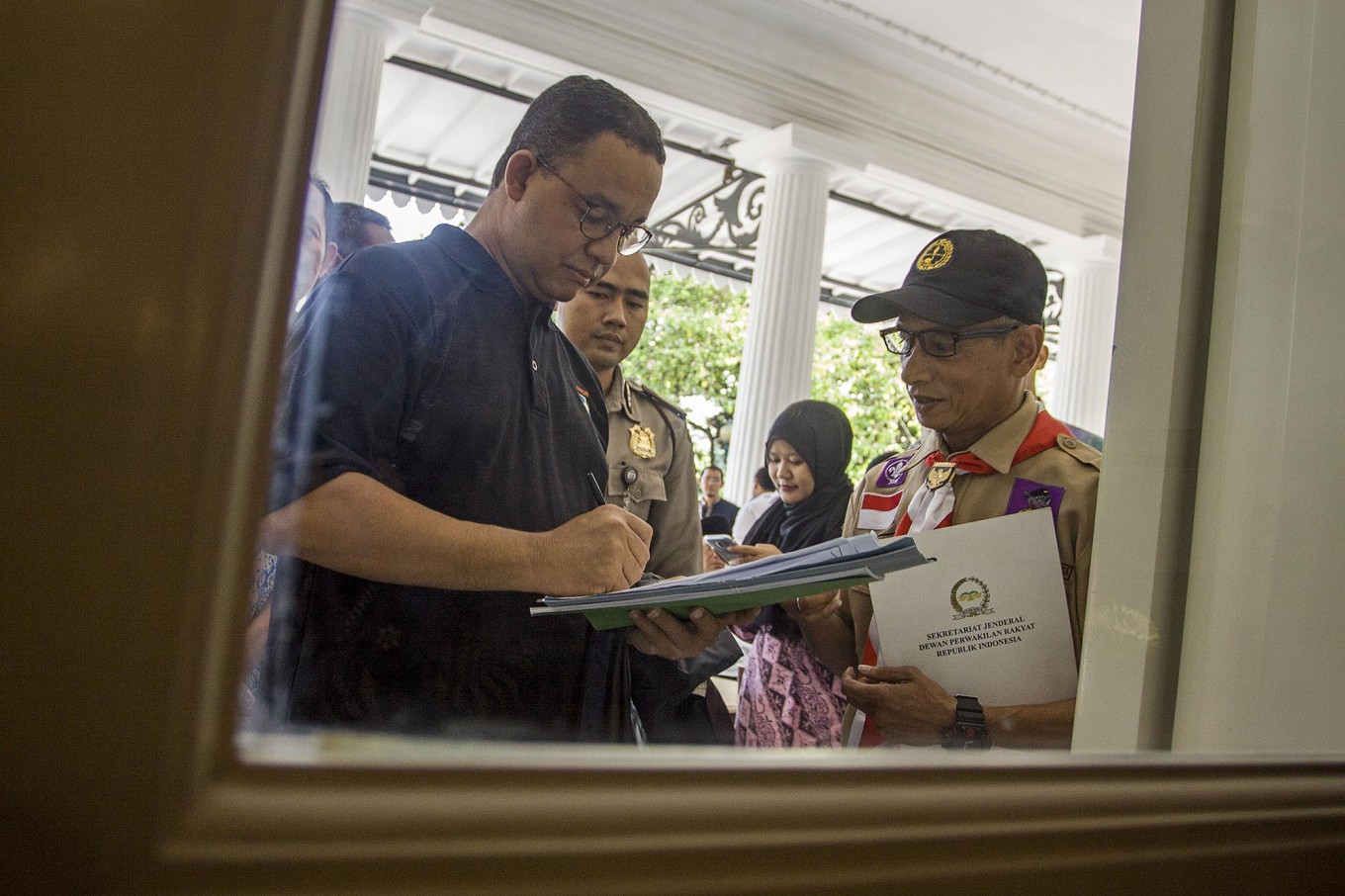 Anies sets new reporting system for urban problems