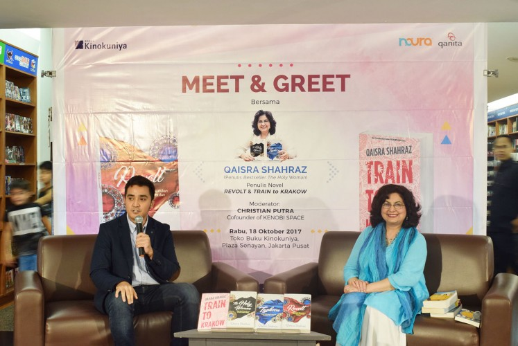 Power of words: Author Qaisra Shahraz (right) and moderator Christian Putra speak during a meet and greet event at the Kinokuniya Bookstore in the Plaza Senayan mall in Central Jakarta.
