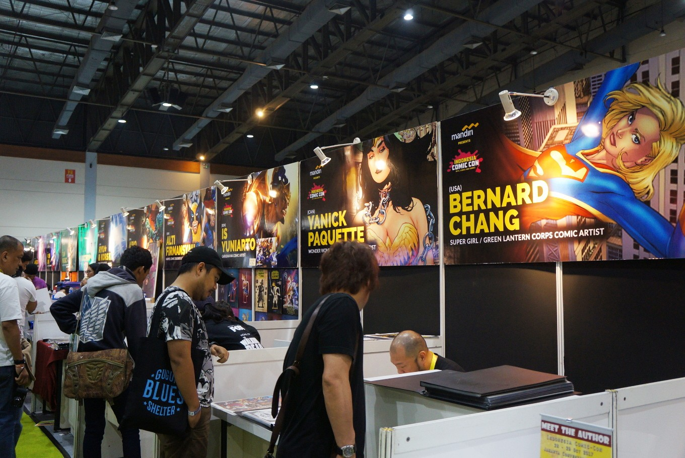 Guest artists unite in 'Guest Stars Zone' where visitors can meet them and ask for their signatures at the 2017 Indonesia Comic Con.