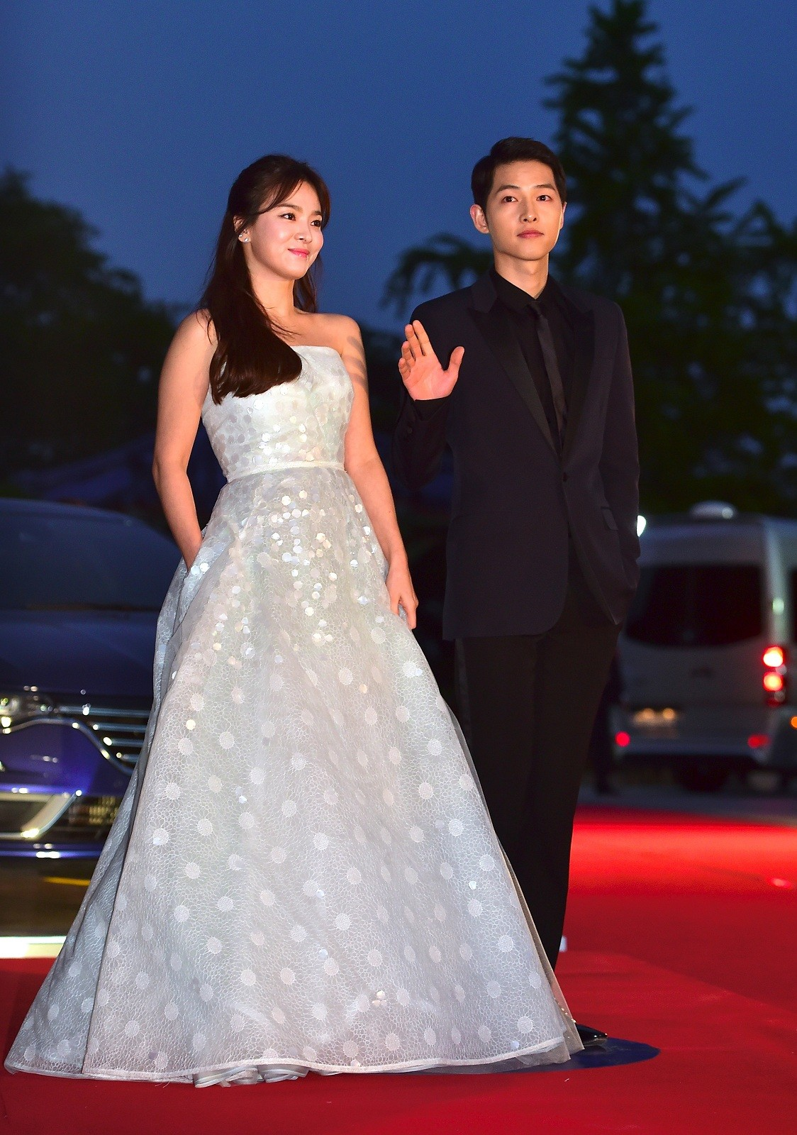 The two South Korean stars who played lovers in a TV drama that took Asia by storm last year tied the knot in real life on Tuesday in a highly-anticipated wedding.