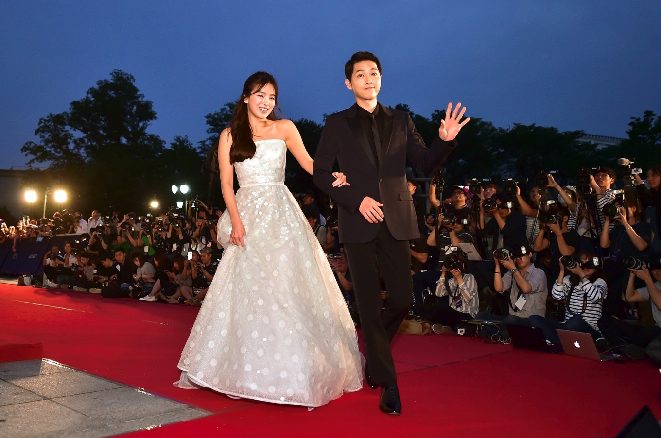 Song About Wedding.Song Song Couple S Divorce Sheds Light On Wedding Ring Incident