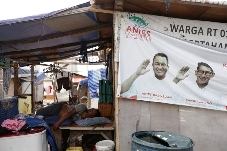 Anies to set up shelter for evicted Kampung Akuarium residents