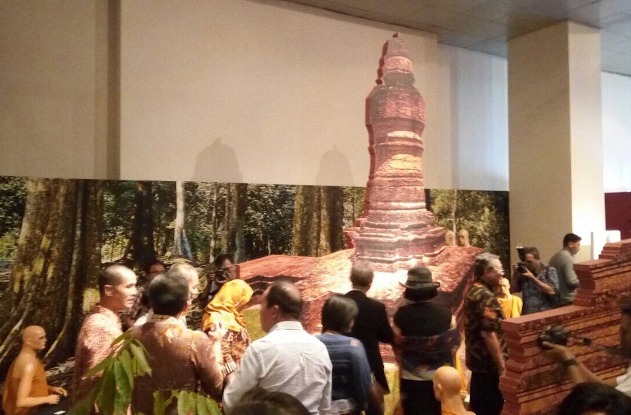 Visitors are swept away to Muaro Jambi and Muaro Takus, reliving the glory of the Sriwijaya empire.