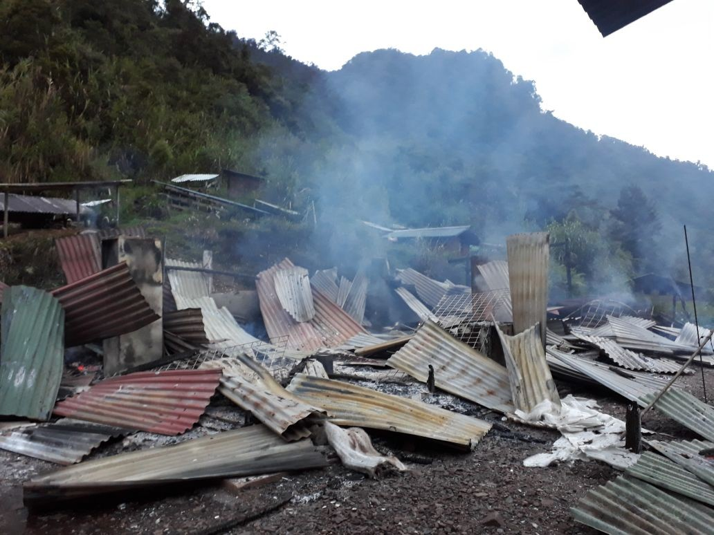 Indonesia police locked in standoff with armed Papua separatists