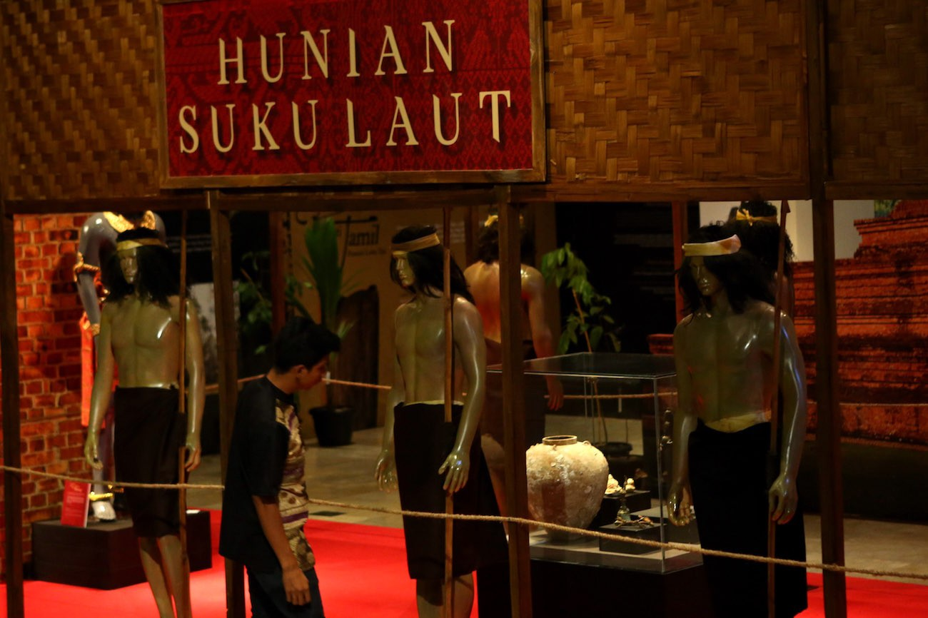 An display of how the Sriwijaya sea tribe lived on the empire's glory days.