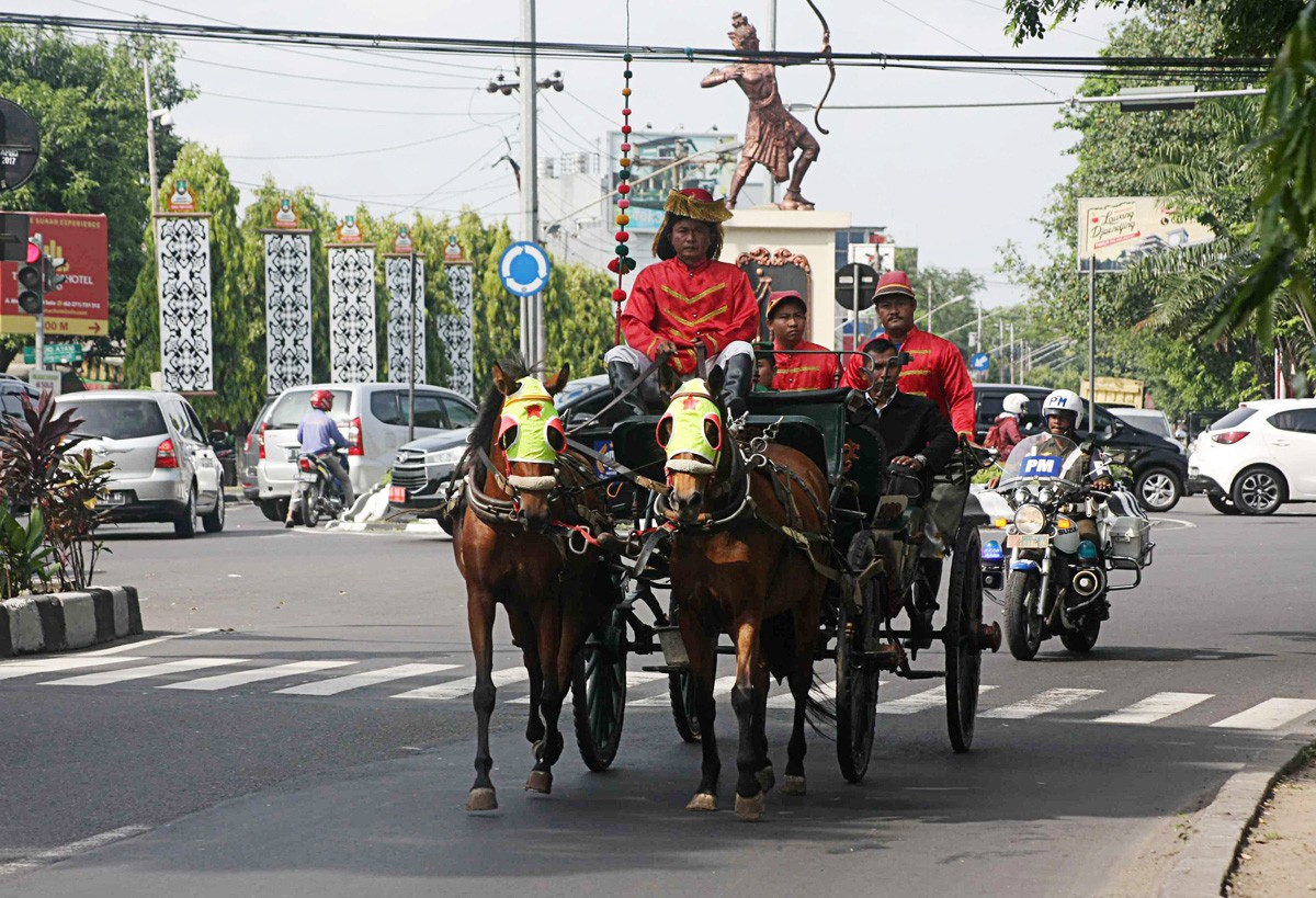 Jokowi's daughter's wedding procession starts Monday
