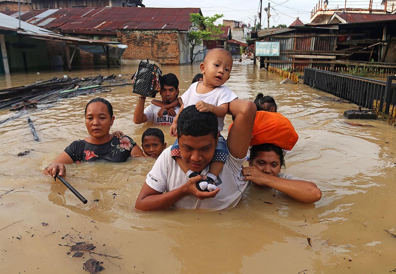 Flooding in North Sumatra, November 2017. Credit: Antara/Irsan Mulyadi