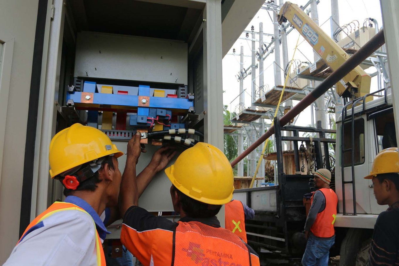 PLN still relies on coal as LNG-fueled electricity remains expensive