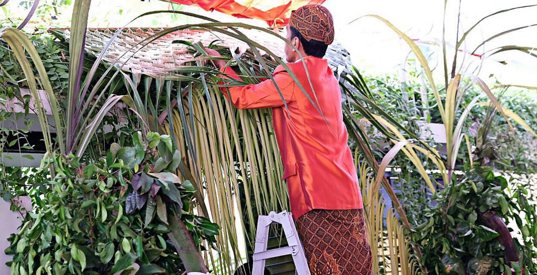Jokowi sheds tears as daughter undergoes pre-wedding ritual