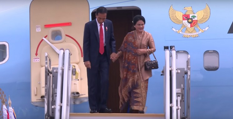 Jokowi arrives at Clark Air Base ahead of ASEAN meetings