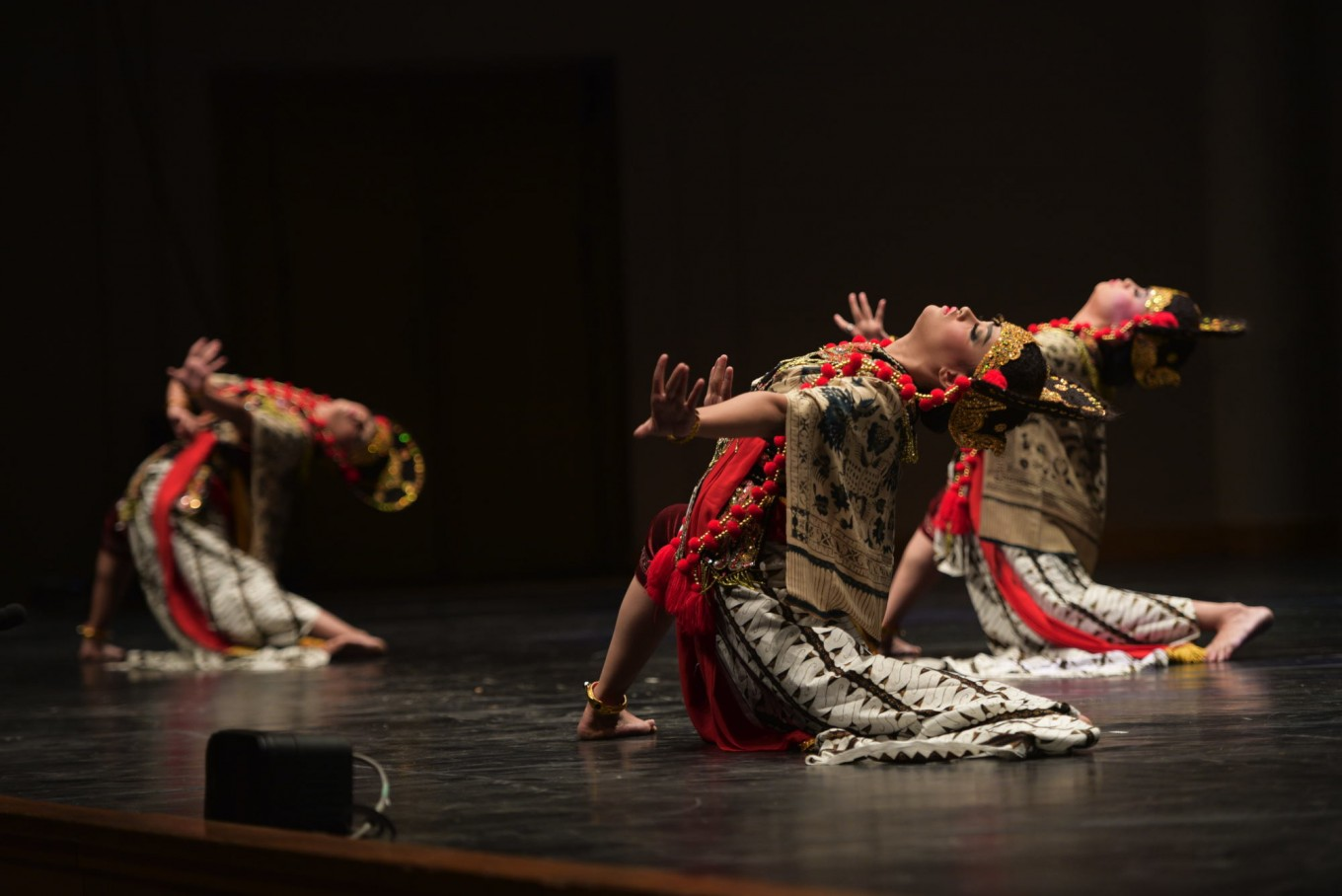 The Nani Topeng Losari dance was among the opening acts at Europalia Arts Festival Indonesia.
