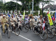 Some participants came dressed in uniforms worn by Indonesian soldiers during the Dutch colonial era. JP/Tarko Sudiarno
