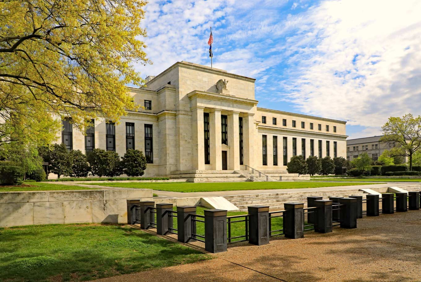 What to expect from the change of Fed chair