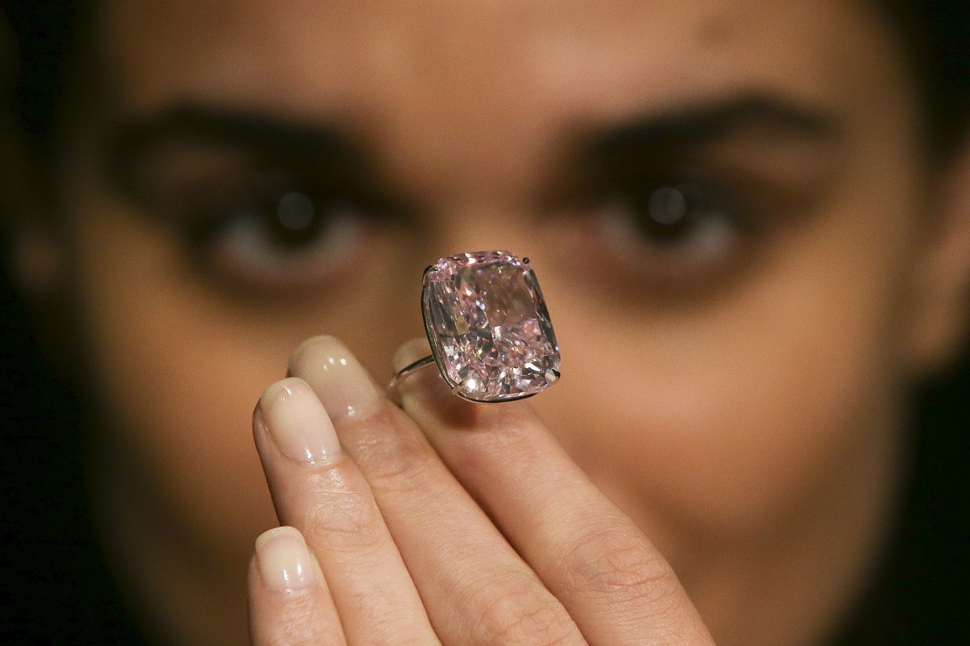 'Raj Pink' diamond fails to sell at auction