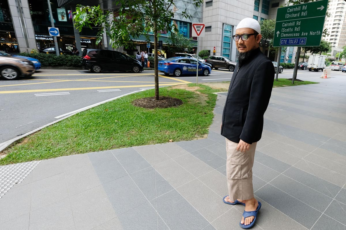 Novel's lawyer ignores police summons for questioning