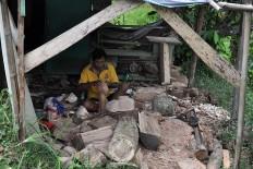 Tukiran is working at his workshop in Bobung village, Gunung Kidul regency, Yogyakarta. JP/Magnus Hendratmo
