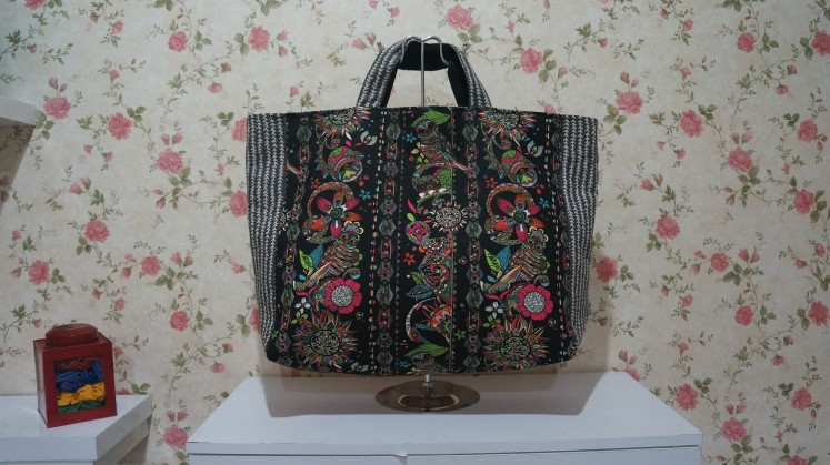 A customized bag from Craftana