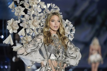 Victoria's Secret gala stumbles across the line in China